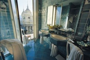 Bathroom Hotel de Paris - Monaco - breathtaking views