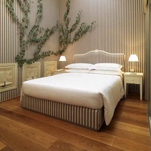 Maison moschino milan fashion class jet lag for Maison moschino milan